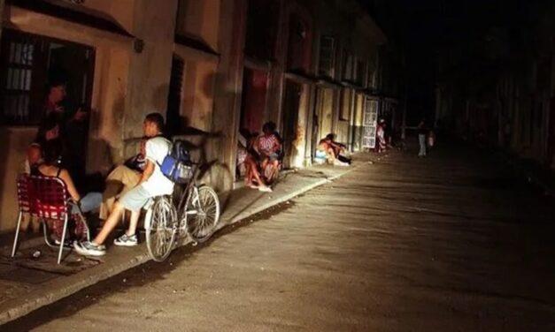 ¿Volverán a Cuba las noches medievales de los 90? Apagones en Cuba
